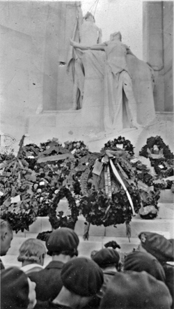 The unveiling of the Vimy Memorial, Vimy Ridge pilgrimage, 1936 (Saanich Archives 2007-196-198)